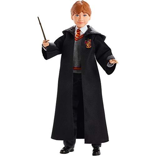 Mattel FYM52 - Harry Potter Ron Weasley Puppe mit Hogwards Uniform und Zubehör, Spielzeug ab 6 Jahren